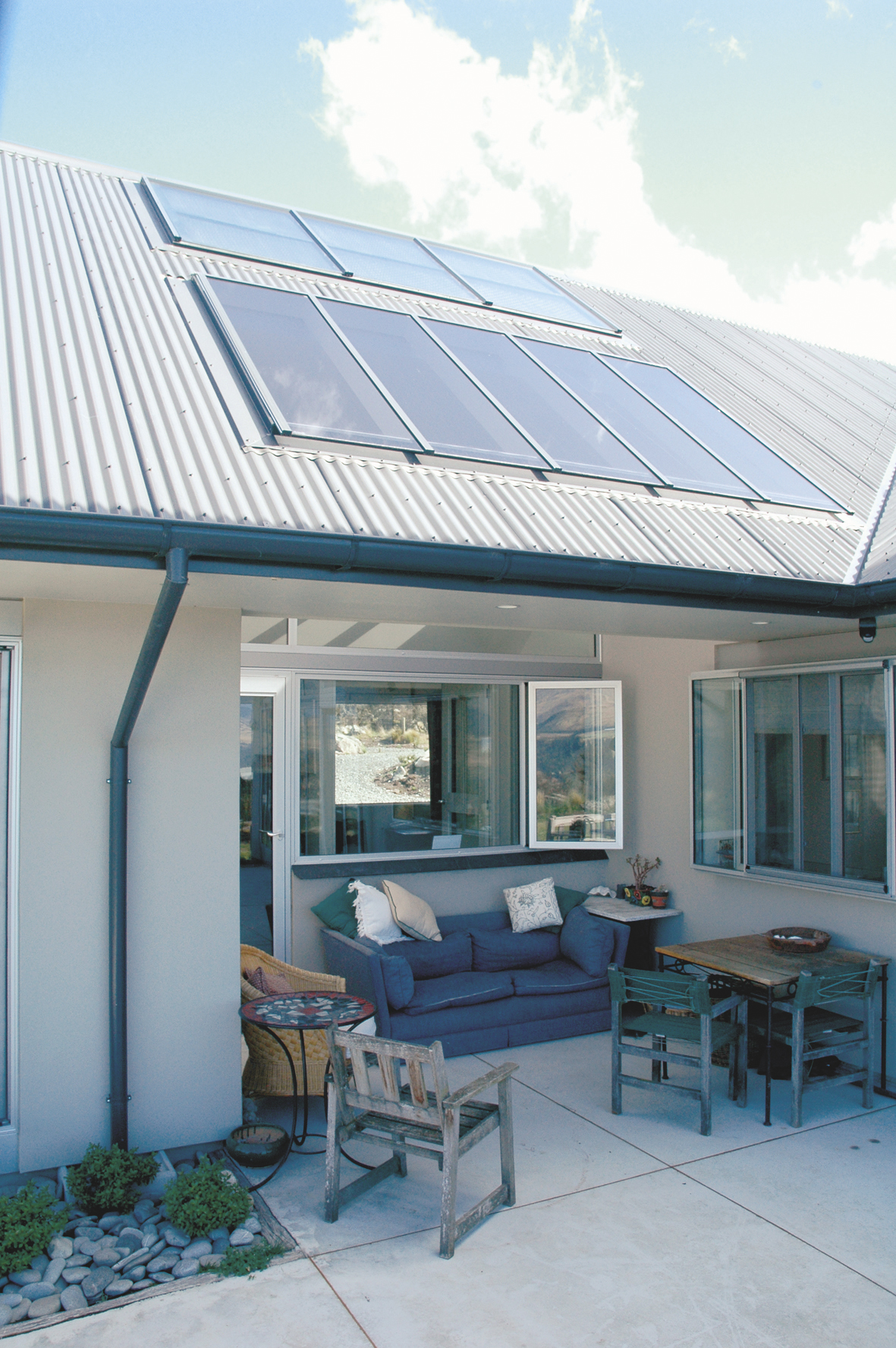 ArtLine Solar hot water System